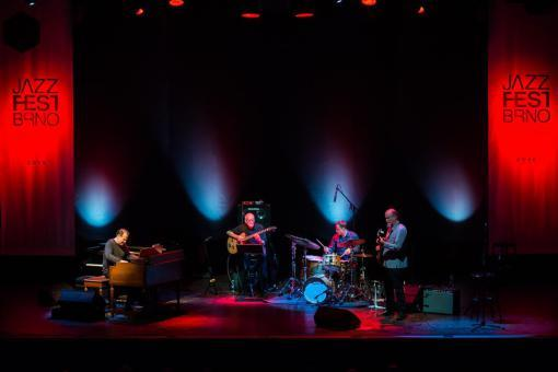 Scofield Opened Echoes of JazzFest Brno with an American Country Classic