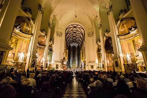 The Easter Festival of Sacred Music: Singer Pur, Ensemble Musikfabrik, the Brno Filharmonic and Dennis Russell Davies