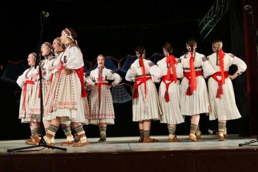 The Folk Ensemble Javorník Brno: Singing at the Cimbalom
