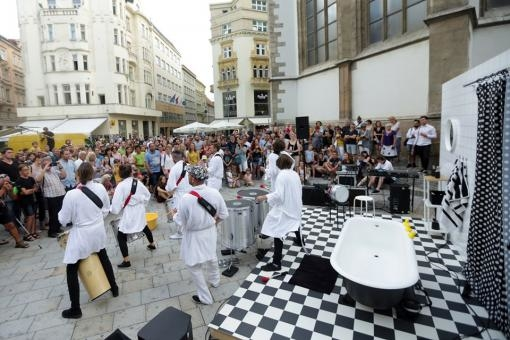 This year's Brno Music Marathon made the city centre resound with music. Tens of thousands of people came around