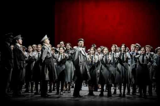 Opera The Monument: a powerful drama without much emotion