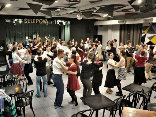 Genuine folk entertainment in the centre of Brno