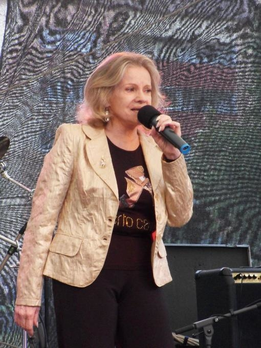 Latest: Singer Eva Pilarová died